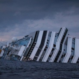 LaPresse15/01/2012  Isola GiglioCronaca Nave Costa Concordia incagliata al Giglio, continuano le ricerche dei dispersi